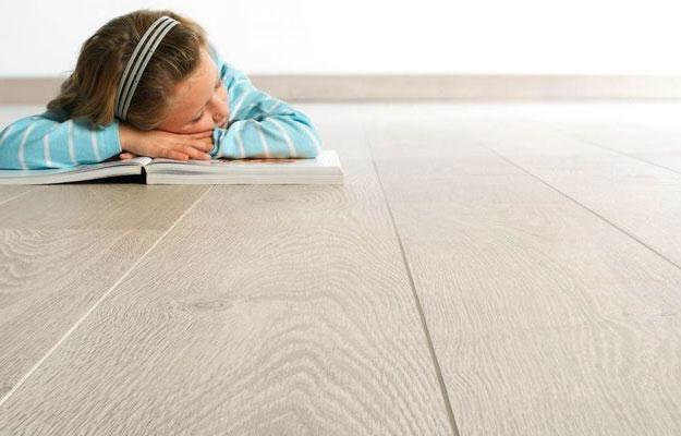 Как выбрать напольное покрытие в детскую
