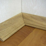 Плинтус необходим для прикрытия стыка между полом и стеной