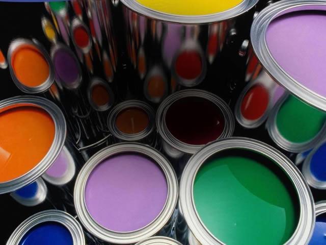 Для уже окрашенных деревянных полов выбирайте масляные краски или эмали