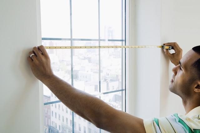 Немаловажно точное измерение оконных и дверных проёмов