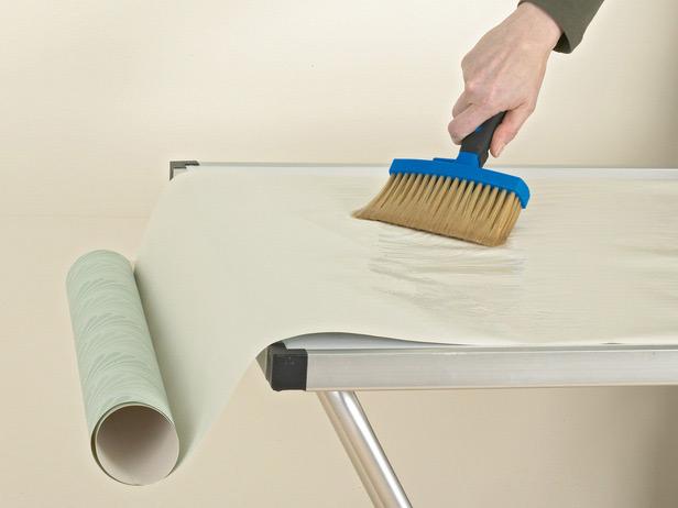 Обои имеют множество преимуществ перед другими видами декоративной отделки стен
