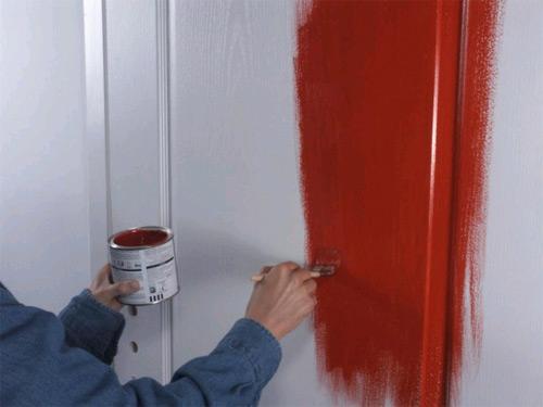 Как своими руками покрасить деревянную межкомнатную дверь