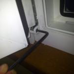 Нередко возникает необходимость регулировки пластиковой двери на балконе после истечения гарантии