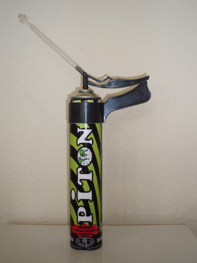 Монтажная пена с закреплённой трубкой