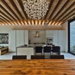 Балки на потолоке деревянные