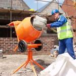 Процесс смешивания цемента