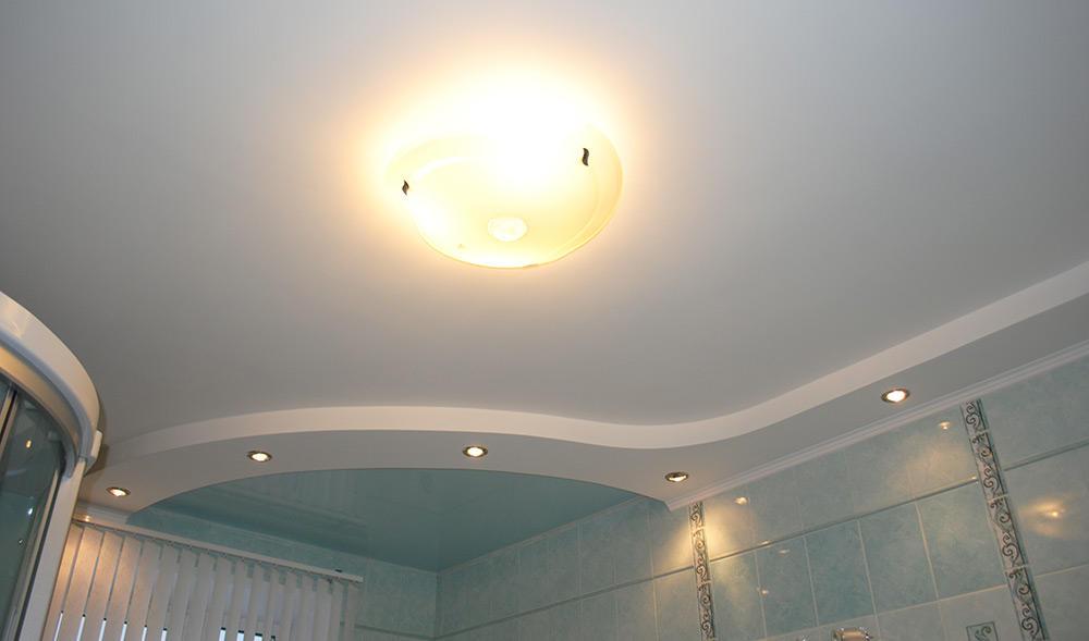 Главное освещение ванной