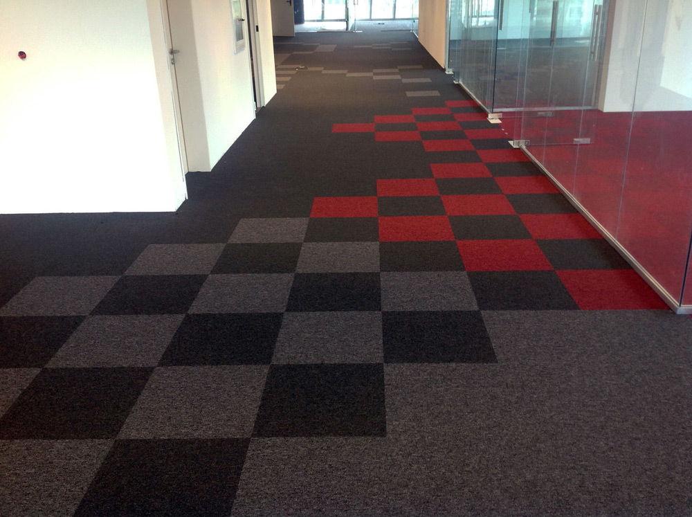 Комбинирование ковровой плитки