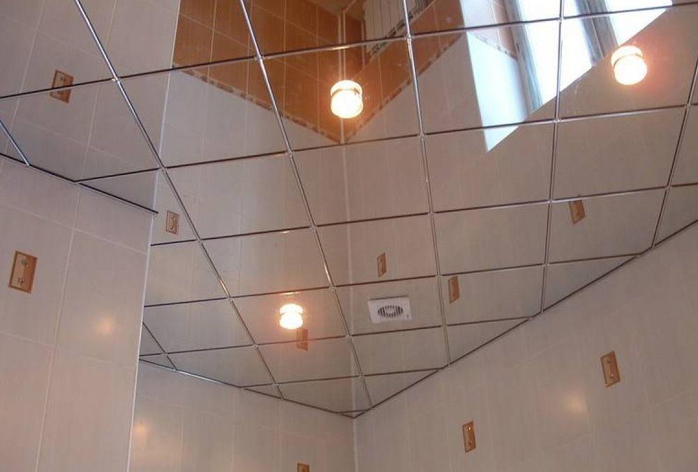 Зеркальные потолки в ванной своими руками