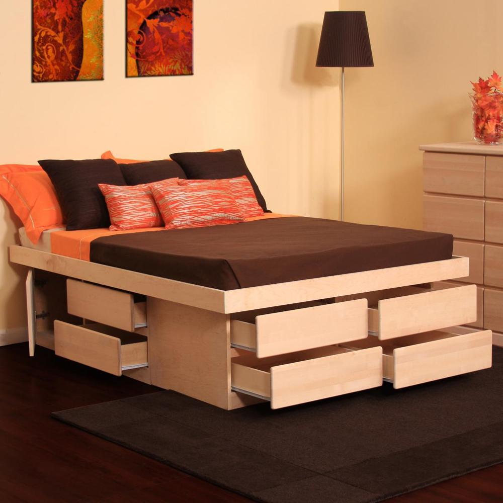 Кровать с местом для вещей