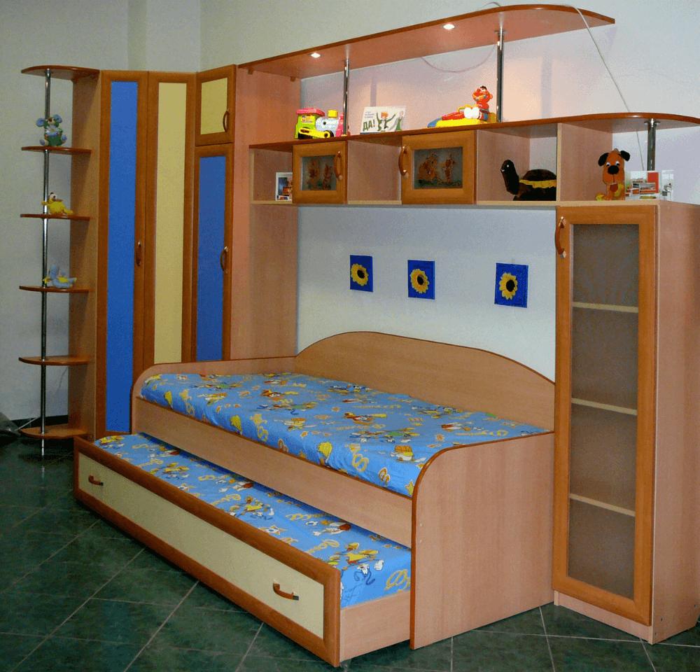 Выезжающая кроватка для 2 детей