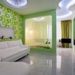 Гостинная-спальная в светлых тонах