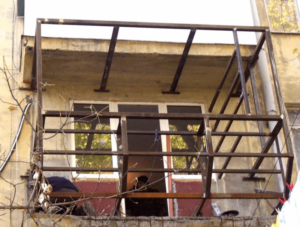 Подготовка - разбор конструкции старого балкона