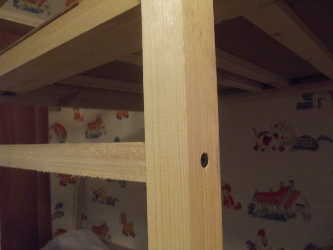 Лестница двухъярусной кровати