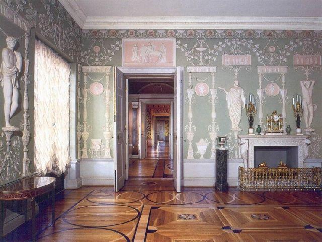 Античный дизайн в просторном помещении