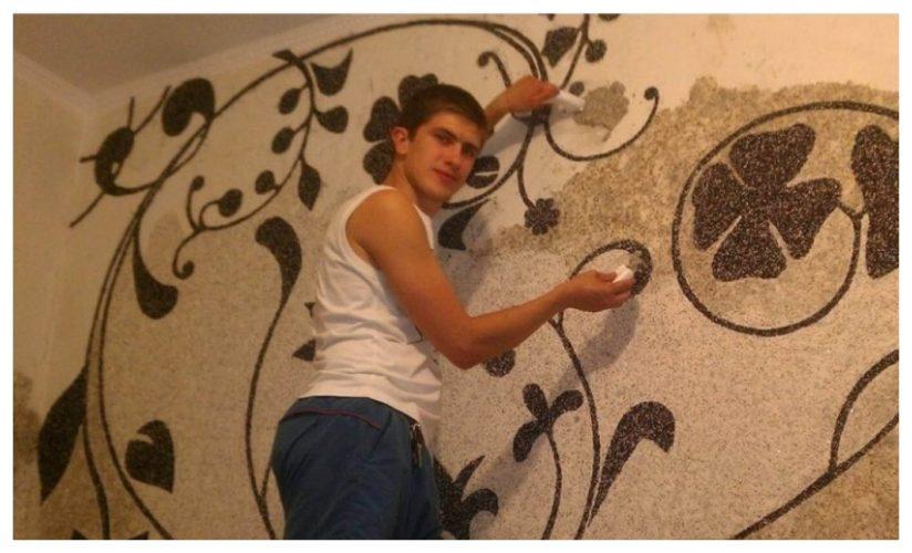 Нанесение рисунка из жидких обоев на стену