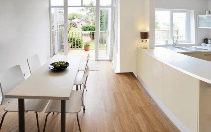 Линолеум на полу на кухне