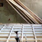 Деревянный пол со временем может нуждаться в ремонте и выравнивании