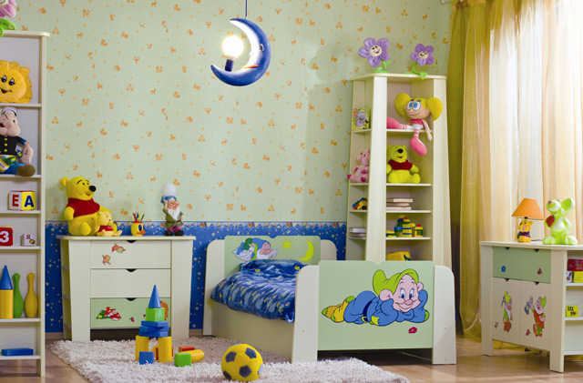 Бумажные обои в детской комнате