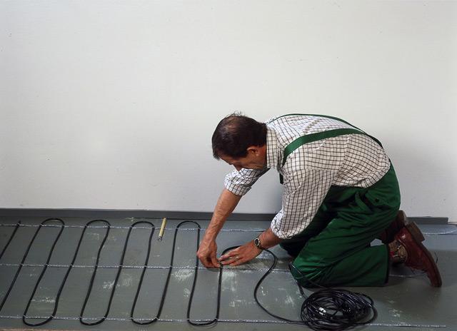 Процесс монтажа нагревательного кабеля