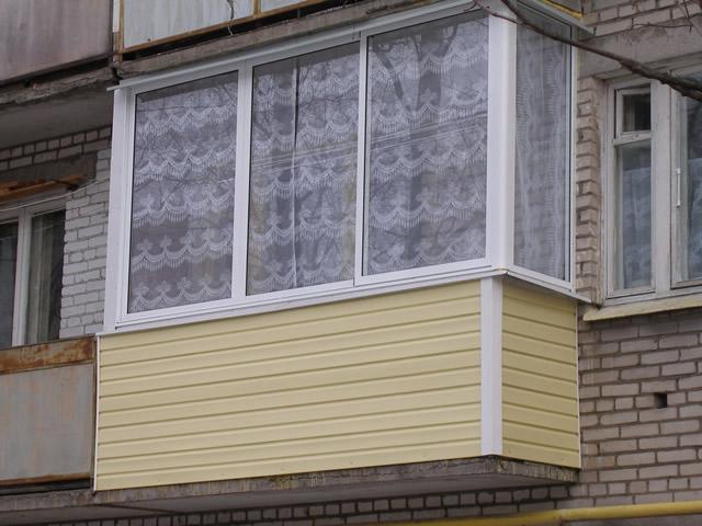 Наружная отделка балкона требуется не всегда