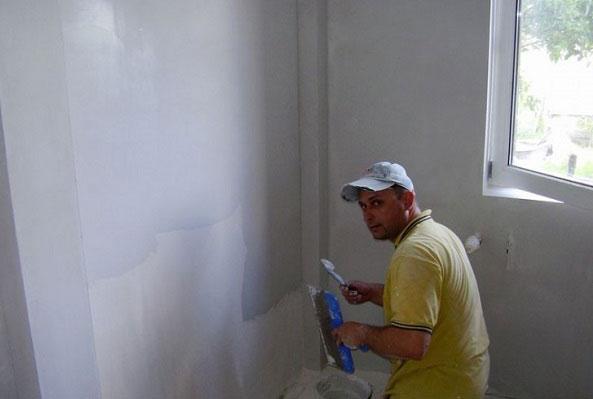 Подготовка стен для поклейки обоев