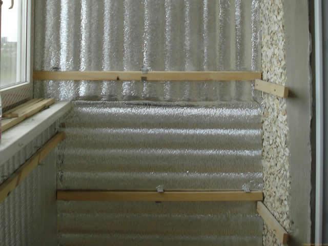 Утепление стен на балконе необходимо для комфортной температуры в помещении