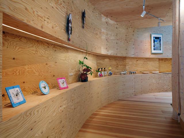 Фанера для отделки стен идеальна за счет своей экологичности