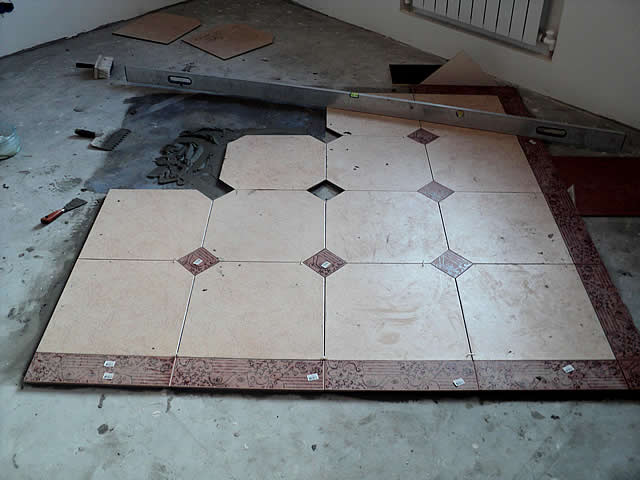 Отделочные работы на полу можно проводить после полного высыхания стяжки