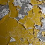 Шпаклевать стены по краске можно в случае, если ее основа очень крепкая