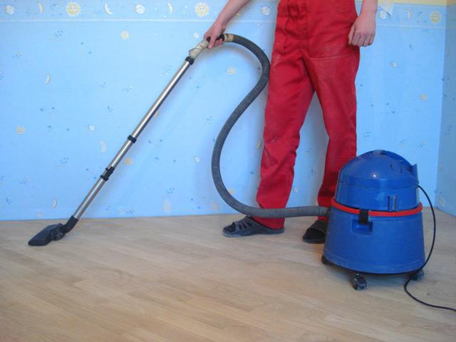 Перед циклёвкой полы должны быть максимально очищены