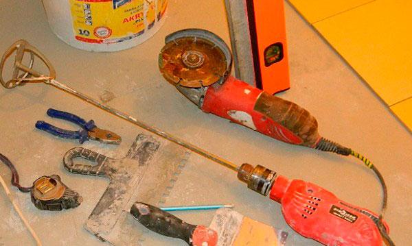 Инструменты для укладки плитки на пол
