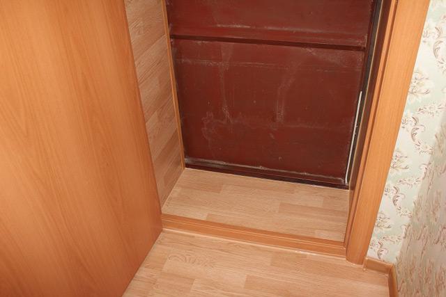 Дверной порог выполняет множество функций