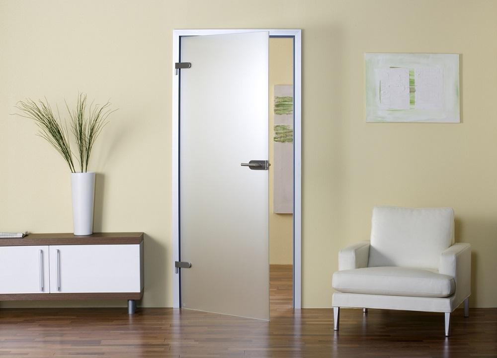 Стеклянные двери имеют как преимущества, так и недостатки