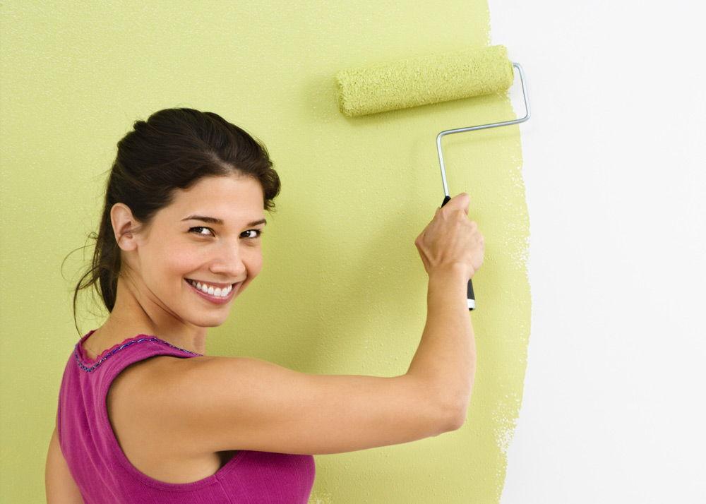 Нанесениекраски на стену