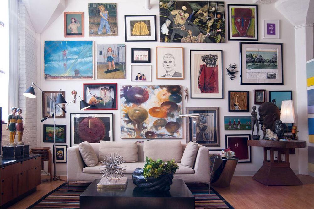 Чем оформить стены в гостиной