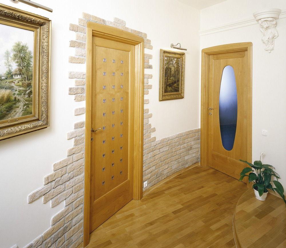 Отделка коридора камнем
