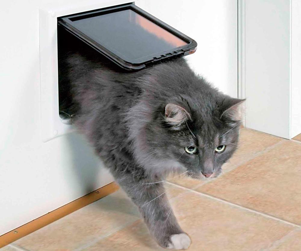Окошко в двери для кошки или собаки