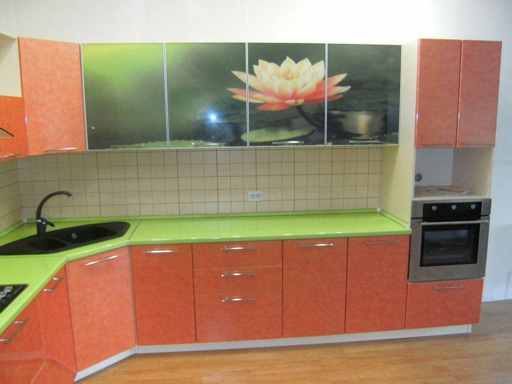 Использование самоклейки на кухне