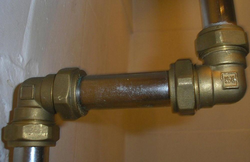 Металлические трубы водопровода