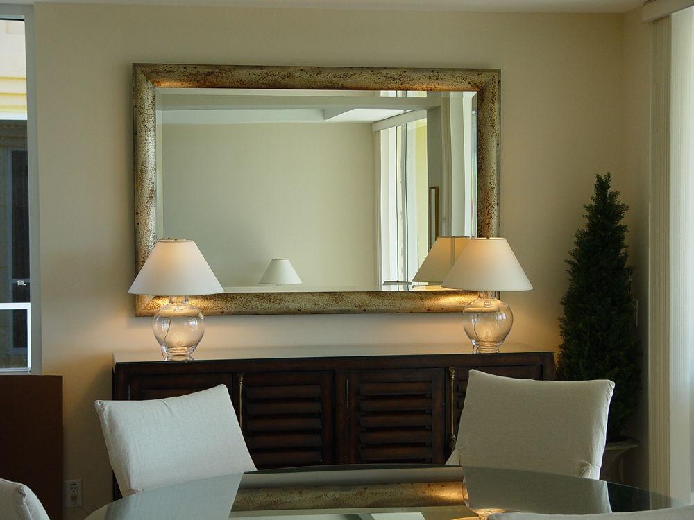 Настенные зеркала в интерьере