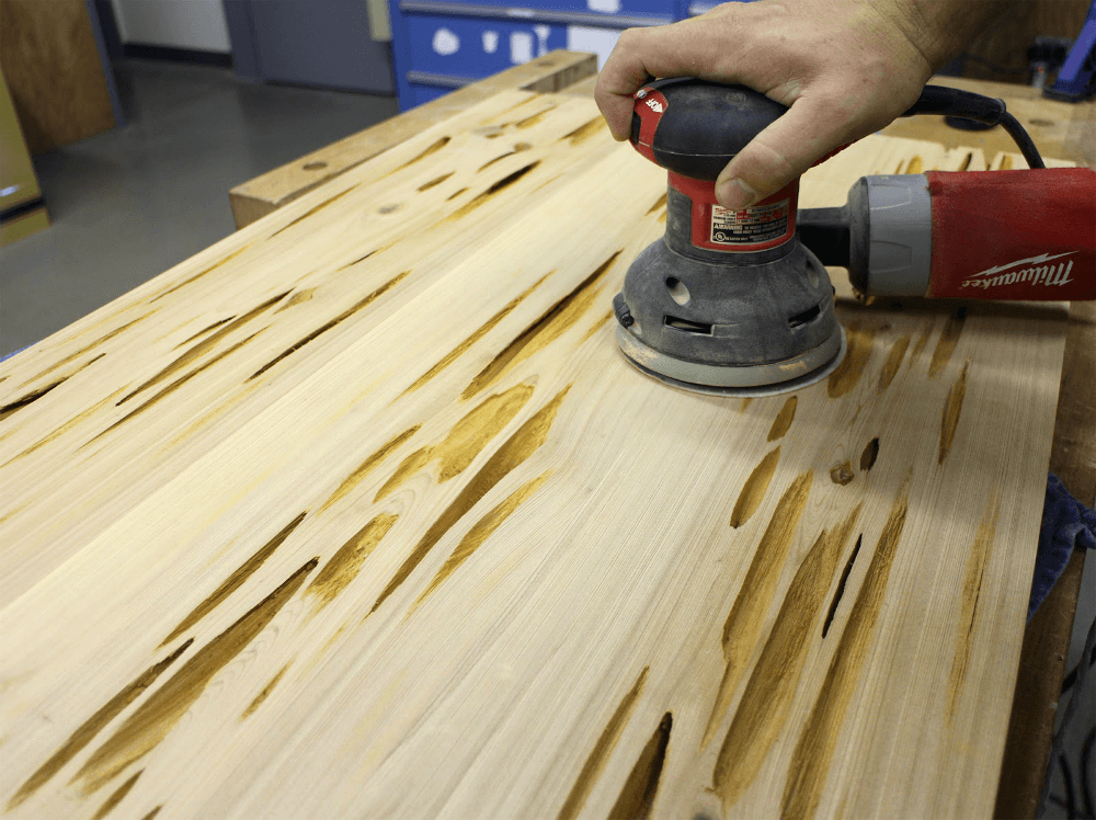 Обработка деревянной мебели