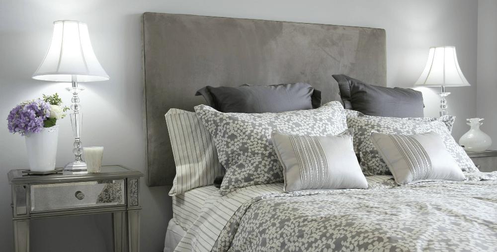 Подушки в спальне