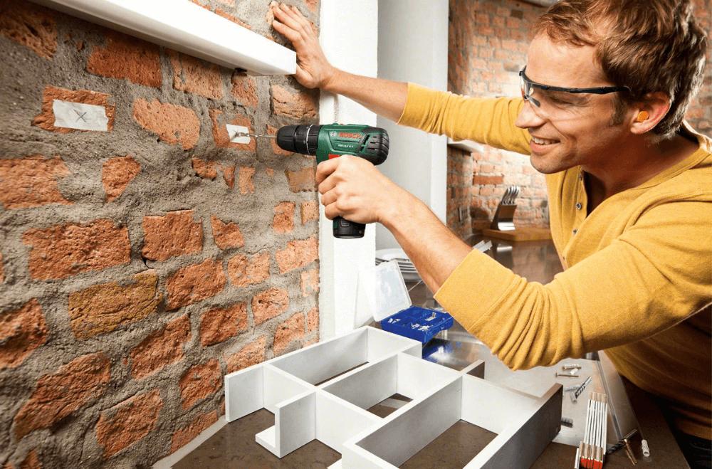 Прикрепление стеллажа на стене