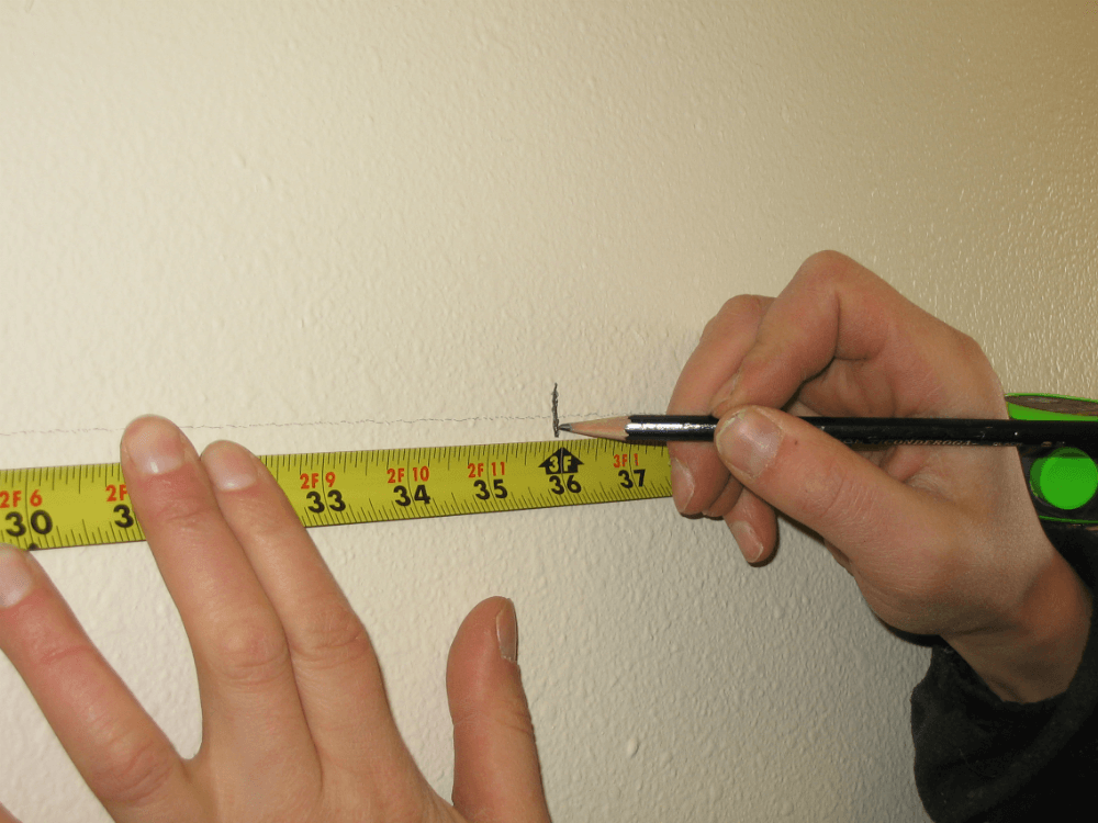 Разметка для стеллажа на стене