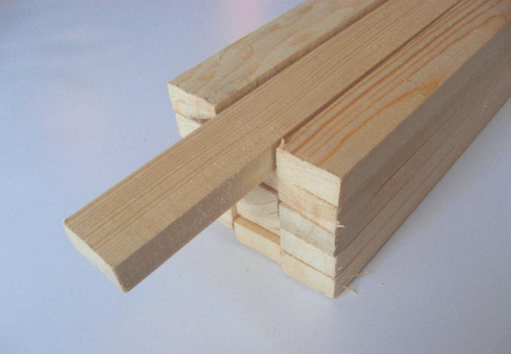 Деревянные стойки для стеллажа