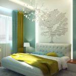 Стилизованное дерево на стене спальни