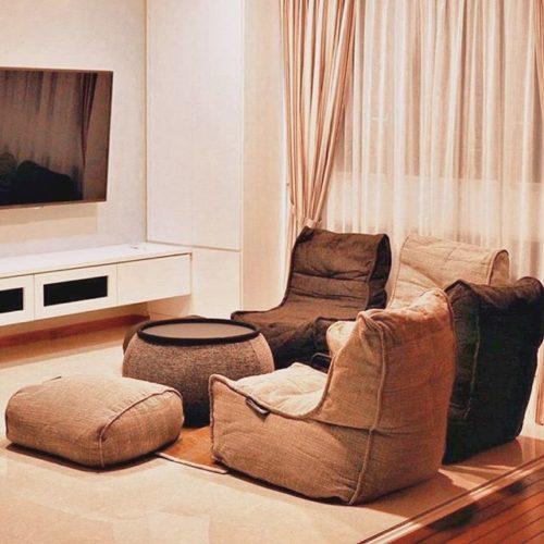 Интерьер гостиной в спокойных коричневых тонах