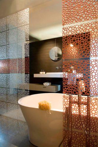 Акриловая перегородка в ванной комнате
