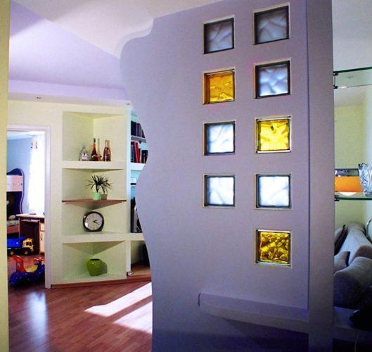Перегородка из гипсокартона и стеклоблоков